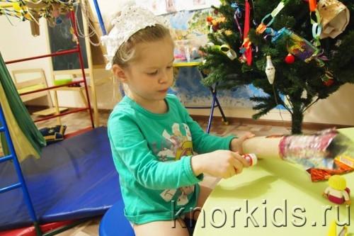 PC310442 500x333 Новогодняя конфетка: подарок на ёлку