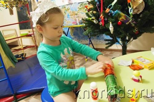 PC310443 500x333 Новогодняя конфетка: подарок на ёлку